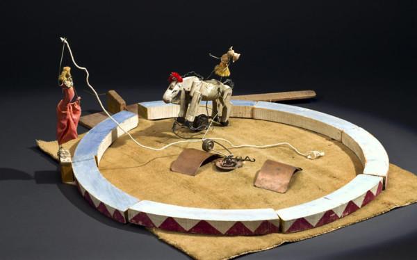Equestrian Act from Cirque Calder ©2017 ColderFoundation, NewYork/DACSLondon