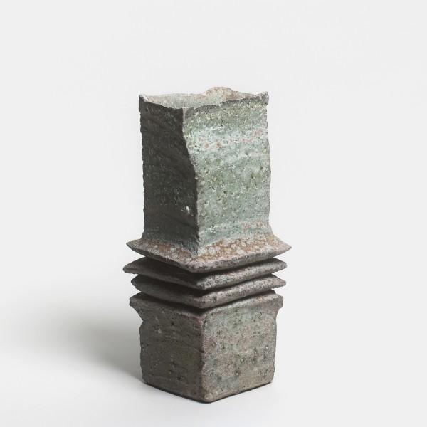 Yasuhisa Kohyama #021051 Bachi (Plektron), 2014 Steinzeug, Anagama-Brand 33 x 15 x 14 cm