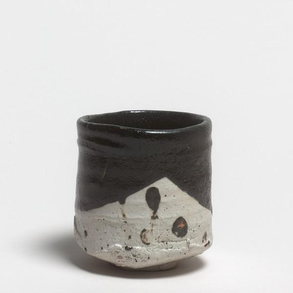 Shiro Tsujimura, #019132 Teeschale (chawan), Oribe-Typ, 2010