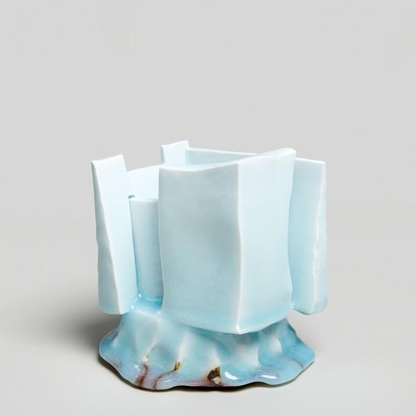 Masamichi Yoshikawa #021949 Kayho (Luxuriant pottery palace), 2019 Porzellan mit Seihakuji-Glasur 16 x 15 x 15 cm
