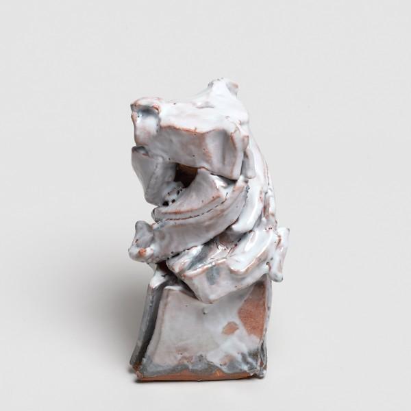 Shozo Michikawa #021845 Sculptural Form, 2018 Stoneware, beni kohiki 22 x 11 cm