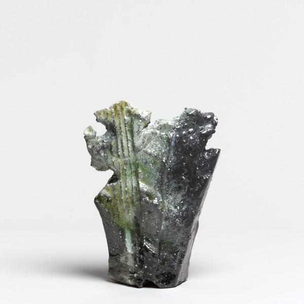 Kei Tanimoto #021234 Vase (Hanaire), Iga-Typ, 2016 Steinzeug mit natürlichem Ascheanflug (Anagama Brand) 23 x 17,5 x 9 cm