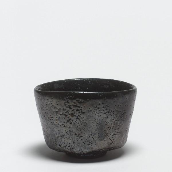 Shiro Tsujimura, #000675 Teeschale (chawan), kuro-raku-Typ, Devon, England, 1993
