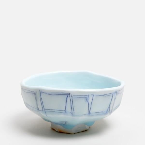 Masamichi Yoshikawa #021971 Chawan (Teeschale), 2019 Porzellan mit Seihakuji-Glasur 7 x 15 x 13,5 cm