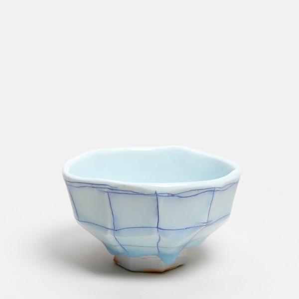Masamichi Yoshikawa #021972 Chawan (Teeschale), 2019 Porzellan mit Seihakuji-Glasur 6,7 x 12,7 x 11,5 cm