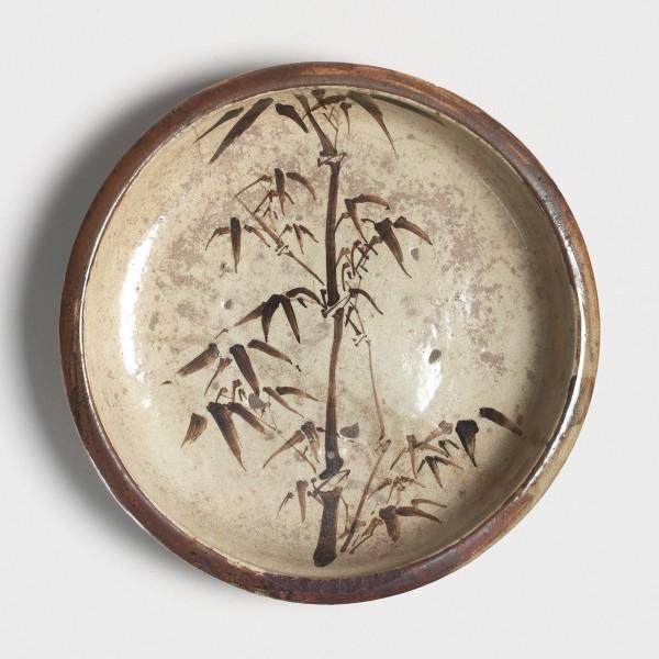 Mingei, #001212 Ishizara - Steinteller mit Dekor von jungem Bambus, 2. Hälfte Edo-Zeit (1615-1868)