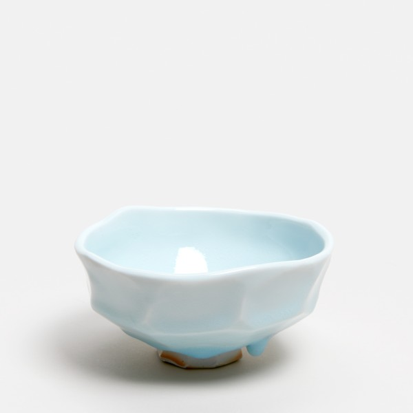 Masamichi Yoshikawa #021973 Chawan (Teeschale), 2019 Porzellan mit Seihakuji-Glasur 6,7 x 12.9 x 12,3 cm