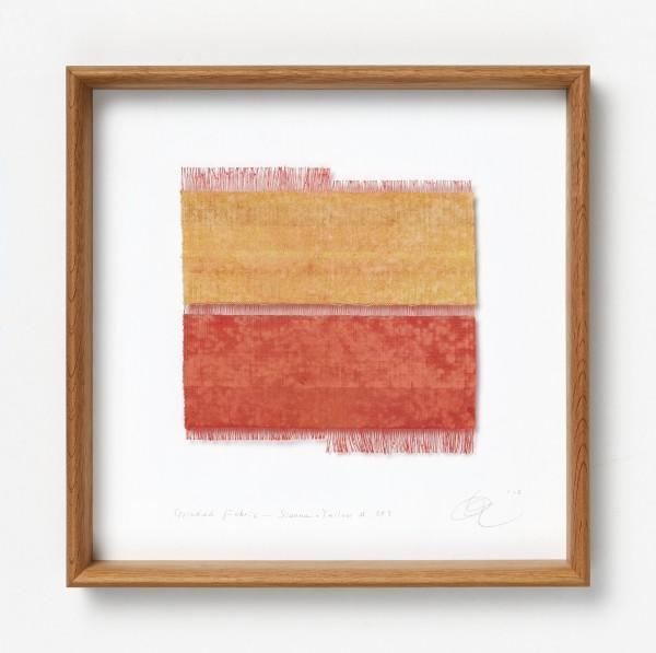 Chiyoko Tanaka #022082 Grinded Fabric - Sienna . Yellow #289, 2012 Handgewebtes Textil (Ramie), gerieben mit Backstein und weißem Stein Textil: 19,5 x 19,5 cm; Rahmen: 35 x 35 x 5 cm