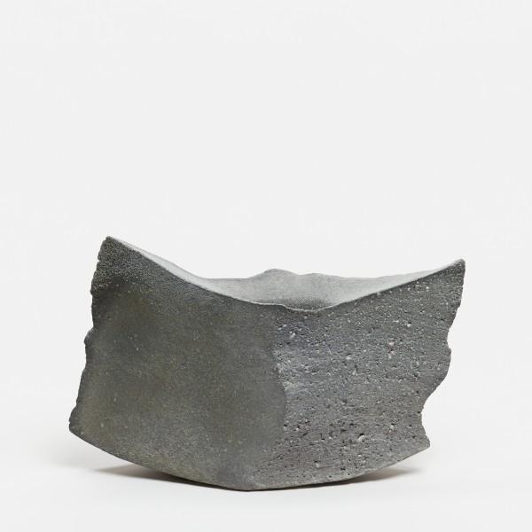 Yasuhisa Kohyama #022056 Kaze (Wind), Vase, 2017 Steinzeug, Anagama-Brand 21 x 32,5 x 10 cm