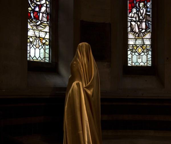 Güler Ates, Woman in the Chapel III, 2015