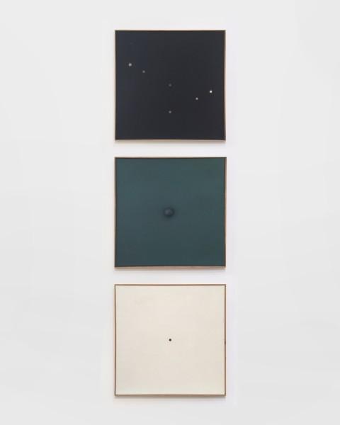 HERBERT OEHM, Schwarzes Bild mit kleinen Lochern, Monochrome Relation, Weisse Bild Mit Kleinem Loch, 1958 - 1959