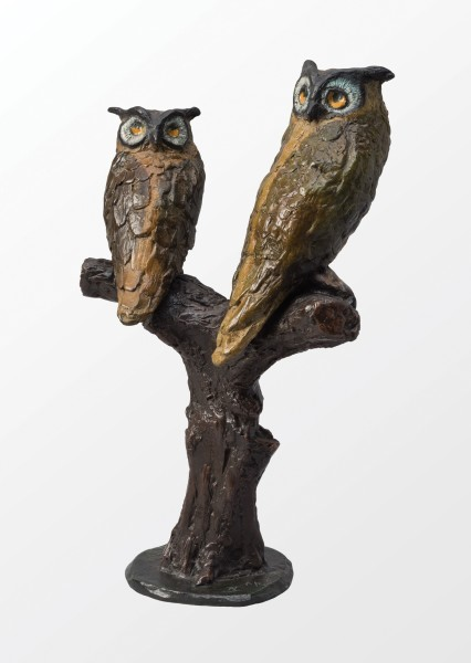 IVOR ABRAHAMS Family group, 2005 Painted bronze 34.5 x 23 x 14 cm (13 5/8 x 9 x 5 1/2 in) £6,000