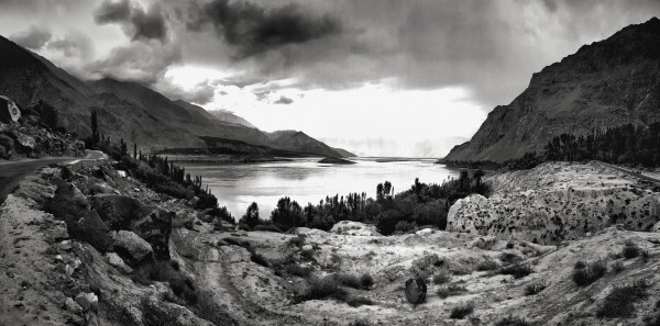 William Dalrymple , Dawn over Skardu, Pakistan II