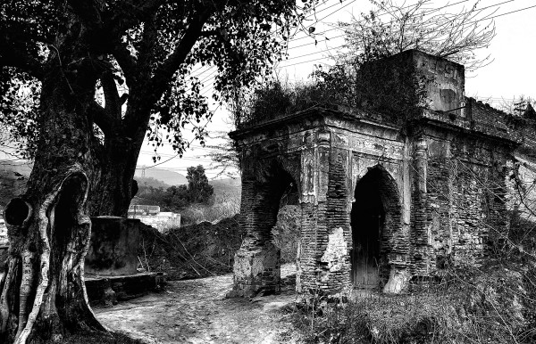 William Dalrymple , Ruined Temple, Attock
