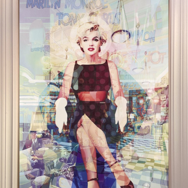 Stuart McAlpine Miller - Marilyn Monroe: Bright Young Thing from The Savoy Suite