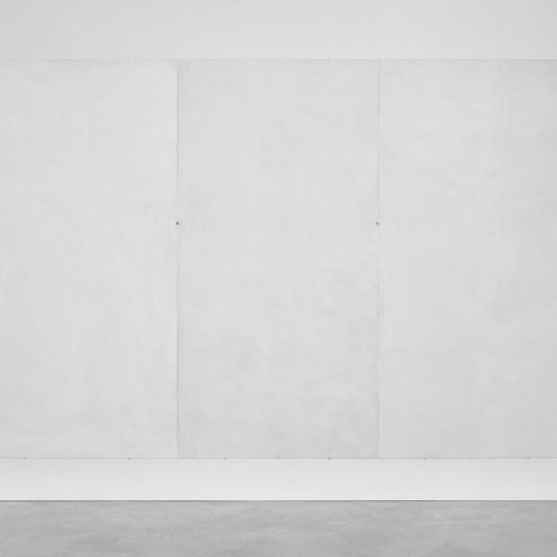 Emmanuelle Quertain - Mur blanc RAL ( + ................ ) en trois volets, 2018