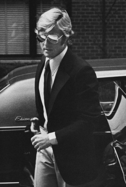 Ron Galella, Robert Redford arrives at Mary Lasker's home for a party, New York, May 11, 1974, printed later