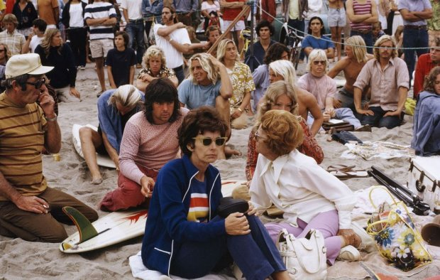LeRoy Grannis, Watching World Surfing Contest, Ocean Beach, 1966