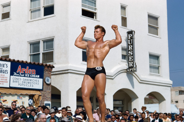 Bob Mizer, Untitled (Muscle Beach #34), Santa Monica, California, c. 1949