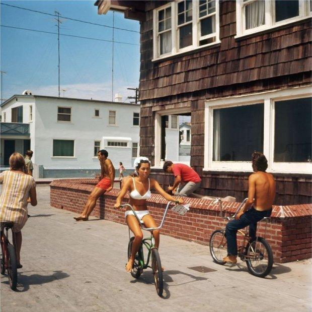 LeRoy Grannis, Hermosa Beach Strand (No. 74), 1967