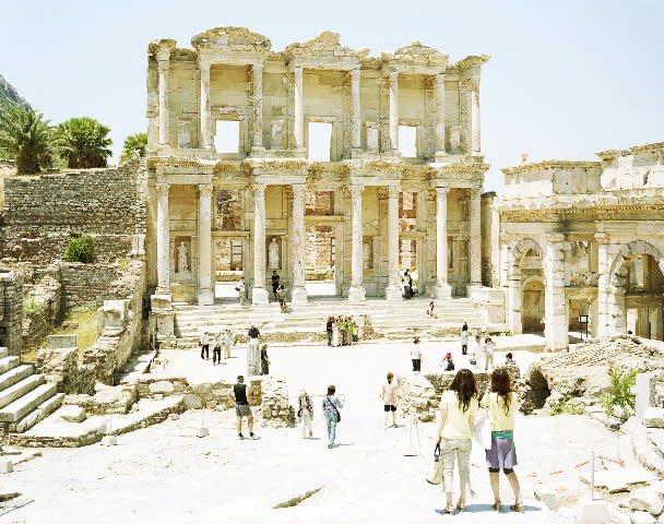Massimo Vitali, Ephesus Library, Turkey (#3127), 2008-2009