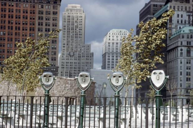Ernst Haas, Binoculars, Battery Park, NY, 1952