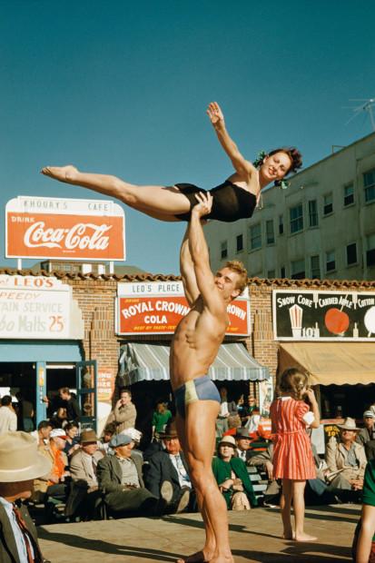 Bob Mizer, Ed Holovchik aka Ed Fury (Muscle Beach #17), Santa Monica, California, c. 1950