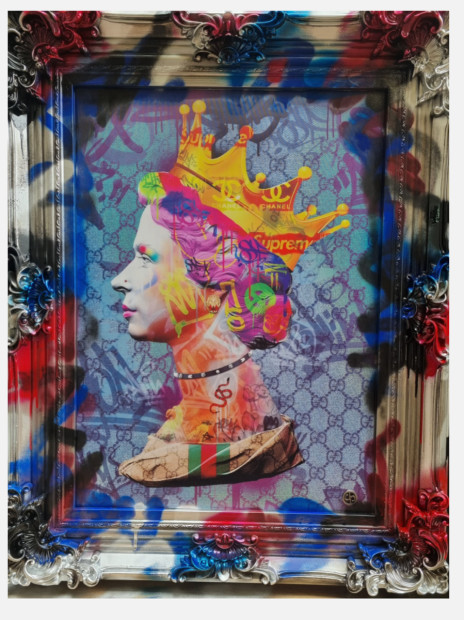"Dan Pearce Gucci Queen , 2021 Lenticular Framed Size: 29"" x 38"" Framed Size: 74 x 97cm"