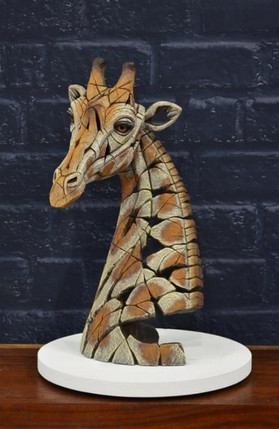 Matt Buckley, Giraffe Bust, 2019