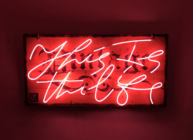 Courty Neon Art, This Is The Life