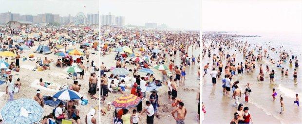 Massimo Vitali, Coney Island Triptych (#2328/29/30), 2006