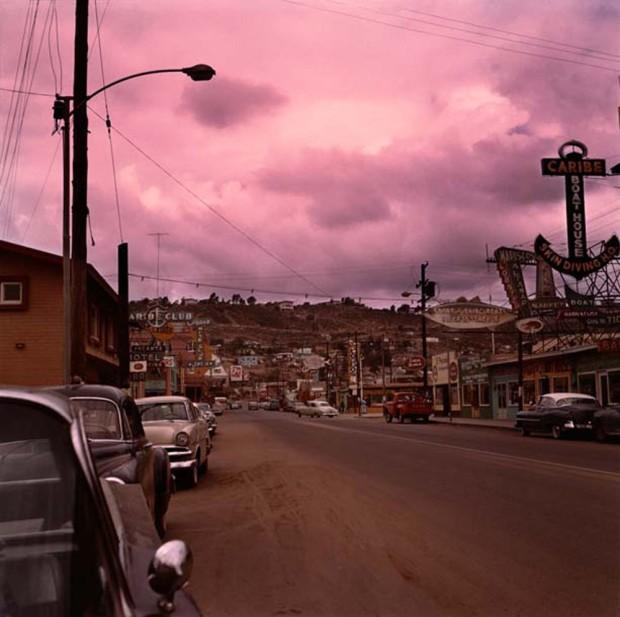 Hunter S. Thompson, Tijuana Street, c. 1960s