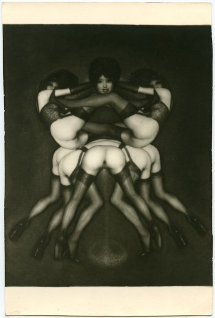 Pierre Molinier, Le triomphe des tribades ou Sur le pavois, 1967