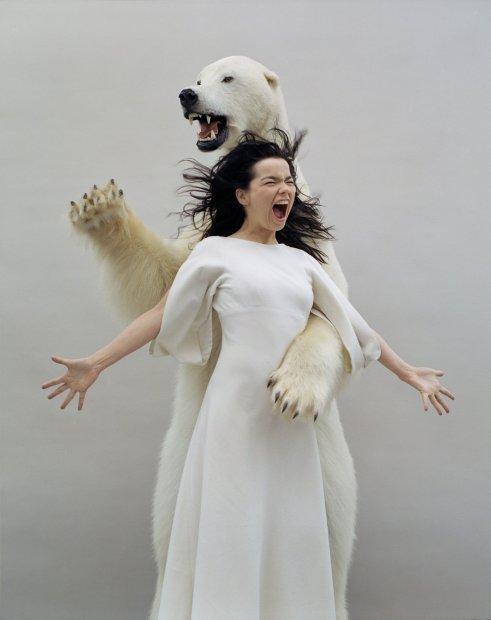 Jean-Baptiste Mondino, Screaming Bear, 2002