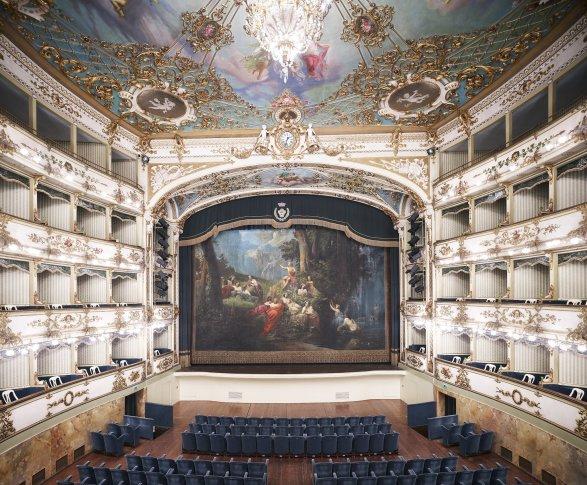 <span class=&#34;artist&#34;><strong>Candida Höfer</strong></span>, <span class=&#34;title&#34;><em>Teatro Comunale di Carpi III 2011</em></span>