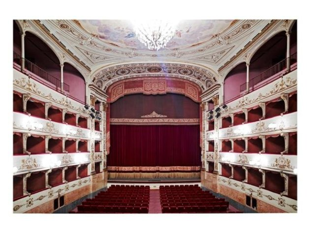 <span class=&#34;artist&#34;><strong>Candida Höfer</strong></span>, <span class=&#34;title&#34;><em>Teatro della Pergola Firenze II 2008</em></span>
