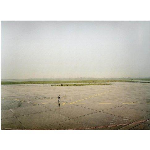 """<span class=""""artist""""><strong>Andreas Gursky</strong></span>, <span class=""""title""""><em>Düsseldorf Flughafen II</em>, 1994</span>"""