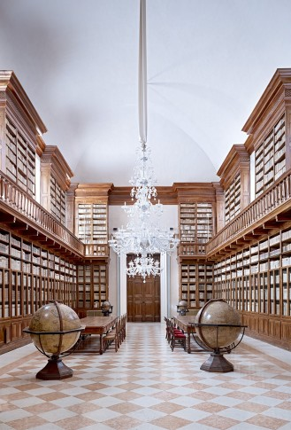 <span class=&#34;title&#34;>Biblioteca Teresiana Mantova III 2010</span>