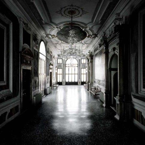 <span class=&#34;artist&#34;><strong>Matthias Schaller</strong></span>, <span class=&#34;title&#34;><em>Controfacciata, Palazzo Pisani</em>, 2006</span>