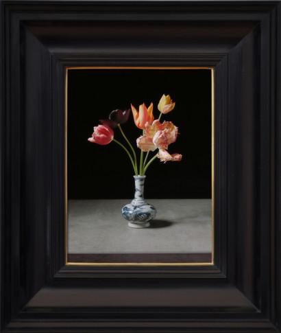 <span class=&#34;title&#34;>Transforming Five Tulips in a Wan-Li Vase<span class=&#34;title_comma&#34;>, </span></span><span class=&#34;year&#34;>2017</span>