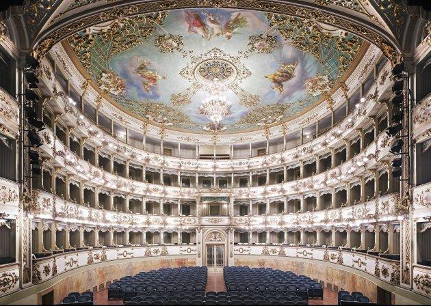 <span class=&#34;artist&#34;><strong>Candida Höfer</strong></span>, <span class=&#34;title&#34;><em>Teatro Comunale di Carpi I 2011</em></span>