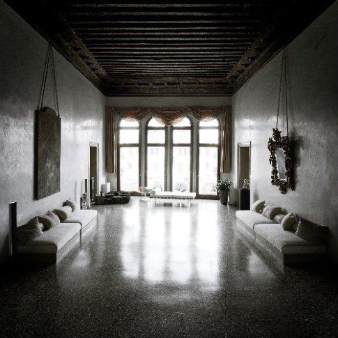 <em>Controfacciata, Palazzo Contarini delle Figure</em>, 2004