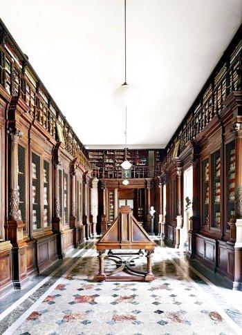 "<span class=""artist""><strong>Candida Höfer</strong></span>, <span class=""title""><em>Biblioteca Nazionale Napoli II 2009</em></span>"