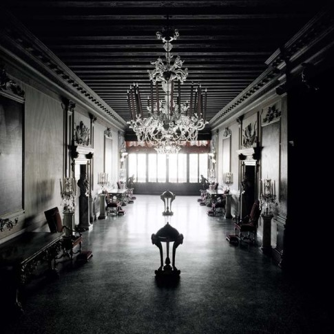 <span class=&#34;artist&#34;><strong>Matthias Schaller</strong></span>, <span class=&#34;title&#34;><em>Controfacciata, Palazzo Volpi</em>, 2005</span>