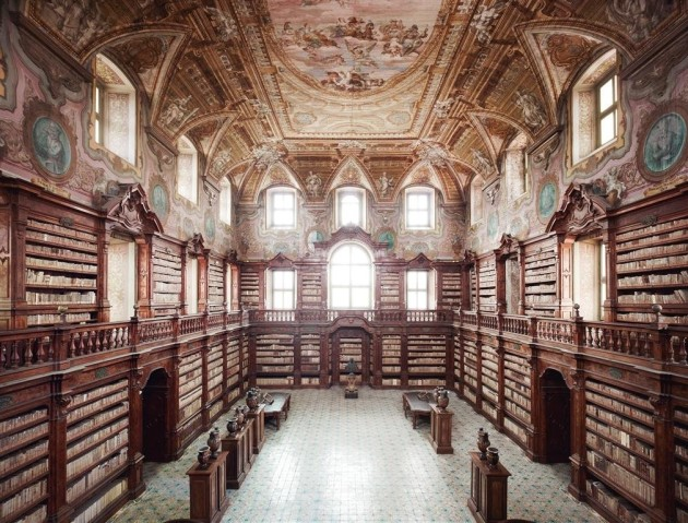 <span class=&#34;artist&#34;><strong>Candida Höfer</strong></span>, <span class=&#34;title&#34;><em>Biblioteca dei Girolamini Napoli I 2009</em></span>