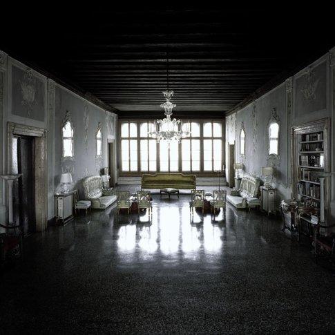 <span class=&#34;artist&#34;><strong>Matthias Schaller</strong></span>, <span class=&#34;title&#34;><em>Controfacciata, Palazzo Contarini dal Zaffo</em>, 2007</span>