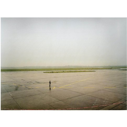 <span class=&#34;artist&#34;><strong>Andreas Gursky</strong></span>, <span class=&#34;title&#34;><em>Düsseldorf Flughafen II</em>, 1994</span>