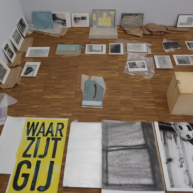 SMAK Director Philippe Van Cauteren on the solo exhibition 'Minstens anderhalf uur en terug' by Peter Morrens at De Warande,...