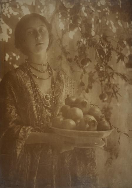 Minna Keene, Pomegranates, circa 1910