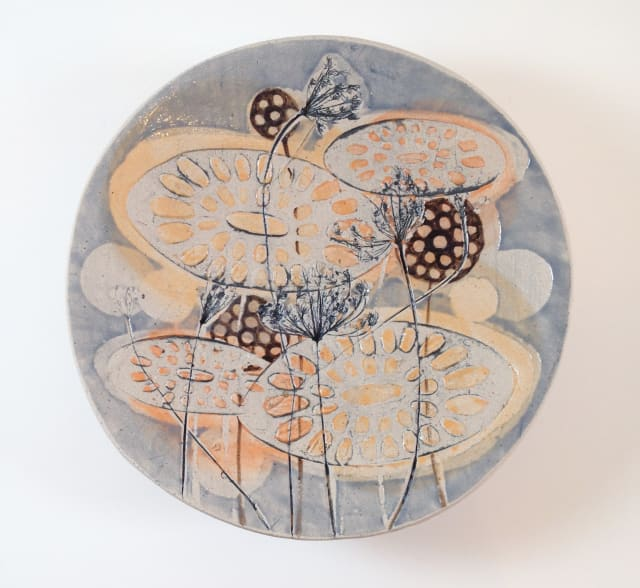 Platter on small round base